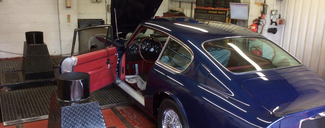 Aston-Martin-DB6-Rolling-Road